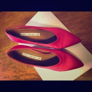 &other stories pointed toe pumps in hot pink
